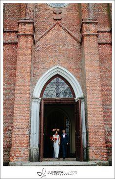 Vaida + Donatas   Vestuves Raudones Pilyje   Wedding in Raudone Castle Jurgita Lukos Photography old brick #church