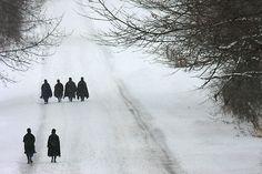 amish women walking the Sunday walk