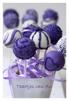 Cake Pop Decorating Made Easy : Cake pops on Pinterest Cake Pop, Strawberry Cake Pops ...