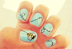 Bee fingernails Bee fingernails