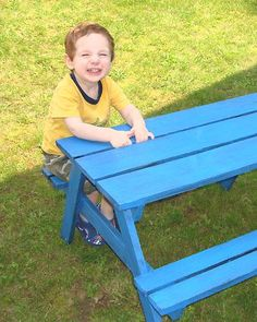 mini picnic bench