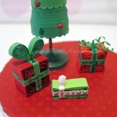 Free Christmas Quilling Patterns | ... Christmas Tree with Presents - Quilled Creations Quilling Gallery