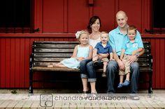 family outfits, famili pic, outfit idea, bench, famili portrait, famili pose, famili outfit, photo idea, famili photo