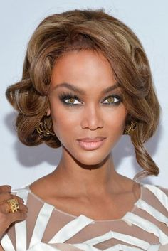 Tyra Banks' flaunted a sizzling faux-bob with face-framing layers to accent her intensely gorgeous eyes at the Flawsome Ball for the TZONE foundation in New York City.