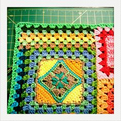 granny square tutorial part 5: joining squares of different sizes
