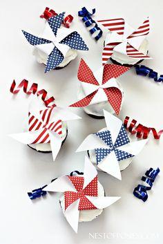 CUPCAKE Printable Pinwheel Toppers!  So fun for the Summer holidays!