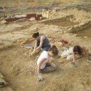 V Campaña de Excavaciones Arqueológicas en la Ciudad Romana de Los Bañales (Uncastillo, Zaragoza), del 1 al 28 de julio de 2013.