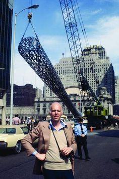 Art Shay, Claes Oldenburg at his Batcolumn. Chicago, IL 1977 (B)