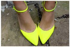 { neon pointed toe }