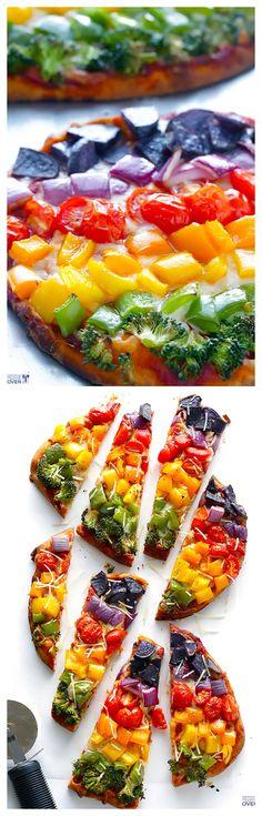 Rainbow Veggie Flatbread Pizza -- super easy, healthier and SO good! gimmesomeoven.com #pizza #rainbow