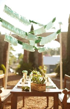 tissue paper = easy DIY fringed garland