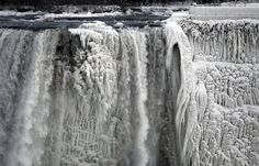 These Beautiful Photos Show What Niagara Falls Looks Like When It Actually Freezes
