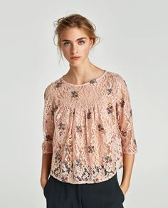 LACE TOP WITH FLORAL