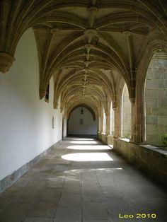 Claustro del monasterio benedictino de Samos (Lugo)