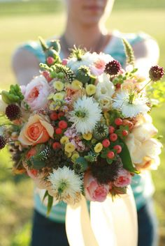 what a gorgeous mixed bouquet!