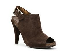 Kenneth Cole Reaction Hook N Pull Pump