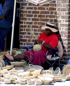 Charleston, SC Market--I want sweetgrass baskets all over my house in charleston