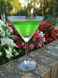 11 Green Cocktail Drinks for Your St. Patrick's Day Party