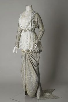 Cream wool cashmere  wedding gown c. 1912