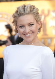 Kate Hudsons elegant braided hairstyle at the 16th Annual Screen Actors Guild Awards