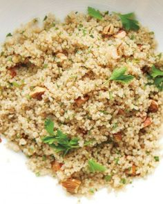 Cooking with Quinoa // Quinoa and Almond Pilaf Recipe