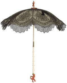 Umbrella, France, 1860  Chantilly lace, satin, ivory, Horn
