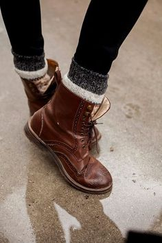 I love how these put the sock sticking out. So smart just need a cute sock pair. And some leggings and u got yourself a cute winter outfit. Love this