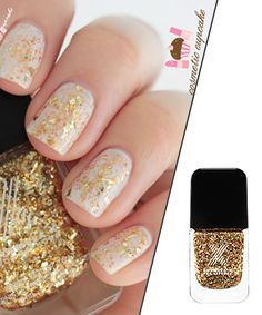 Who doesn't love glittery nails?