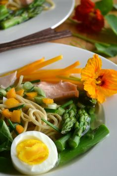 Yellow Miso Ramen with Asparagus and Salmon by theviewfromgreatisland #Miso #Ramen #Salmon #Asparagus