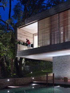 Architects: Ong Architects  Location: Bukit Timah, Singapore  Project Year: 2011  Photographs: Derek Swalwell