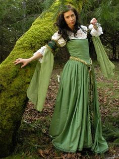 green renaissance-y dress