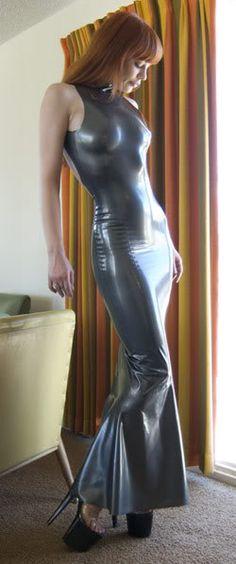 Lovely latex dress. Gray.