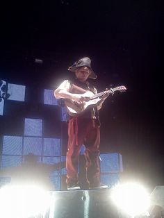 Ed Sheeran preforming in costume for his birthday