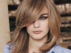 Medium Length Hair Styles  This season's favorite messy styles. To cut the hair at shoulder height. Thinking of the example above, messy, slightly wavy pattern preference. In order to have a more comfortable and modern look of fuller hair.