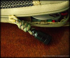 County Comm delrin pico pull with paracord two-strand wall knot zipper pull on my Maxpedition micro pocket organizer