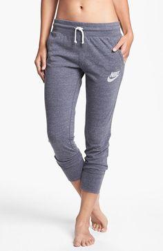 gym capri pants / nike