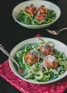 Zucchini Pasta With Lemon Pesto, Chard & Oven-Roasted Tomatoes | soletshangout.com  #glutenfree #vegetarian #grainfree #primal