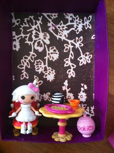 This is ab-sew-lutely wonderfully creative! A Lalaloopsy diorama costume! Here's a close up! Two Cities Two Girls: October Crafts and Costume Design