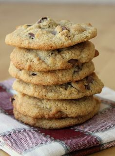 The Best Almond Flour chocolate Chip Cookies - An all-time favorite recipe! Crispy on the outside, soft on the inside and slightly buttery. People tell me all the time they prefer these cookies to their traditional cookie recipes. #almondflour #gfcookies #chocolatechipcookies