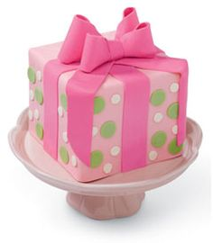 Small present cake for kinley yay!