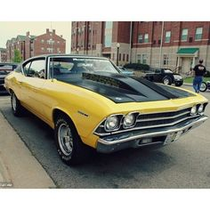 Bumblebee Chevy is drop dead gorgeous