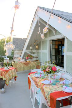 Summer outdoor party -love the colors. Via Alice Lane Home Collection.
