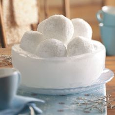 Snowball Centerpiece DIY from Taste of Home