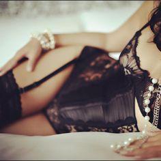 black lace, anonym boudoir, sexi, sexy pearls, thing lingeri, pretti thing, pearls lingerie, basic black, sensual
