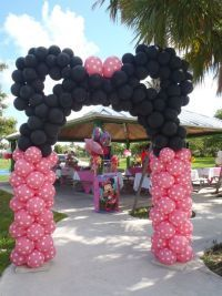 Mickey or Minnie latex balloon arch