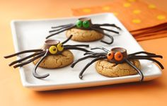 Spiders have never looked this appealing! Some peanut butter cups and ...