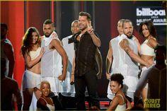 Performing #Vida!