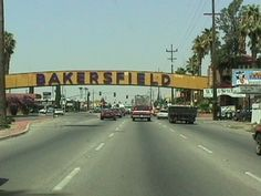 Bakersfield sign over Union Ave. (where it should be)