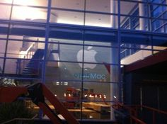 Apple เริ่มจัดสถานที่สำหรับงานของ iPhone 5 ที่จะเริ่มอาทิตย์หน้าที่ Yerba Buena Center on http://techtotalk.com/apple-start-readying-the-yerba-buena-center-for-the-iphone-5-event-next-week/