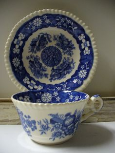 Vintage Spode's Trophies - Copeland  England - Tea Cup and Saucer